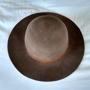 L.L. Bean brown wool felt hat with leather strap